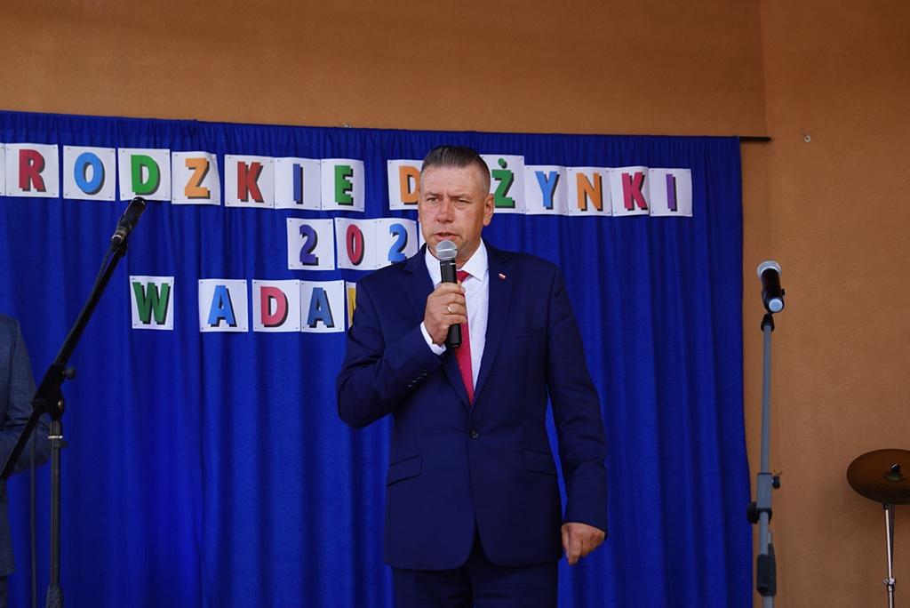 dozynki-gmina-brody-adamow-2021-taniec-spiewy-tradycje-27.JPG