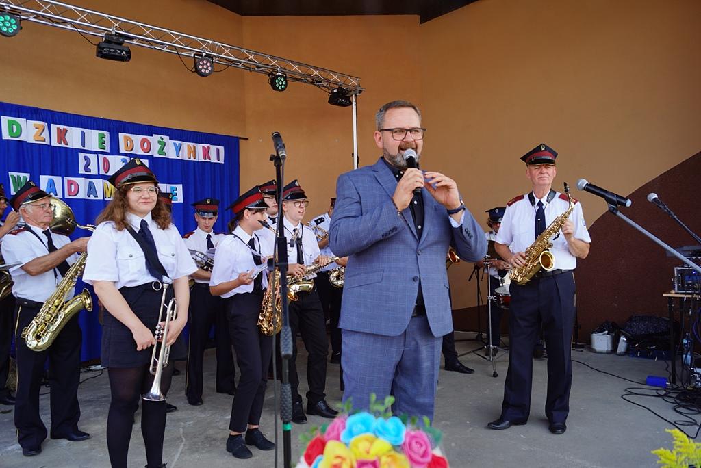 dozynki-gmina-brody-adamow-2021-taniec-spiewy-tradycje-30.JPG