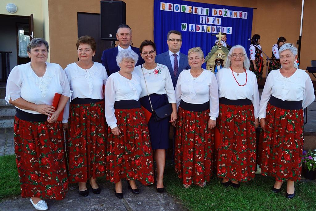 dozynki-gmina-brody-adamow-2021-taniec-spiewy-tradycje-70.JPG