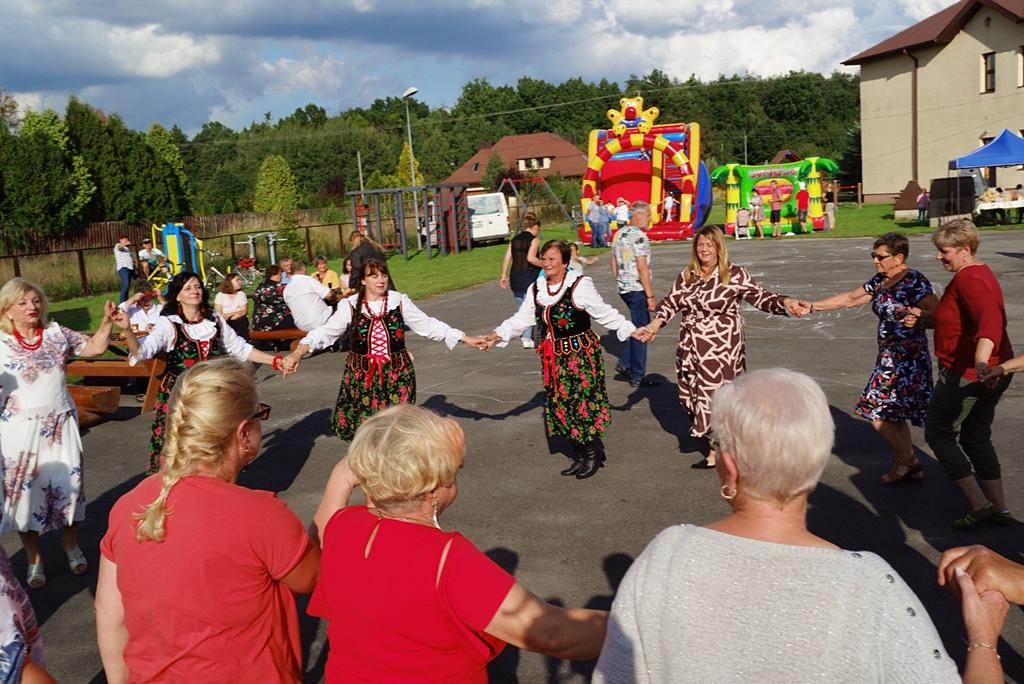 dozynki-gmina-brody-adamow-2021-taniec-spiewy-tradycje-85.JPG