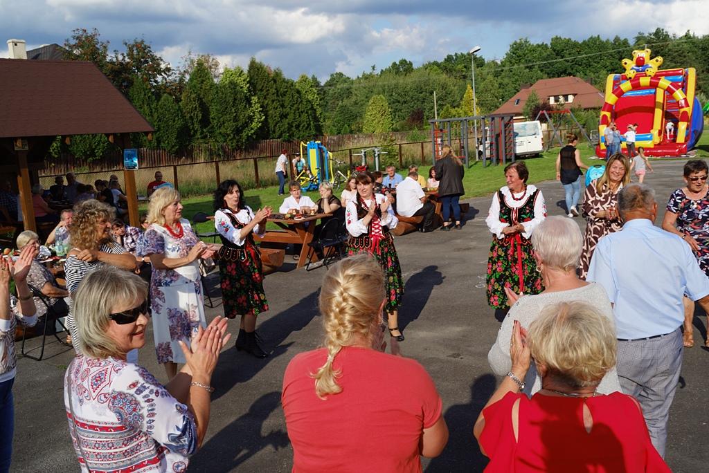 dozynki-gmina-brody-adamow-2021-taniec-spiewy-tradycje-86.JPG
