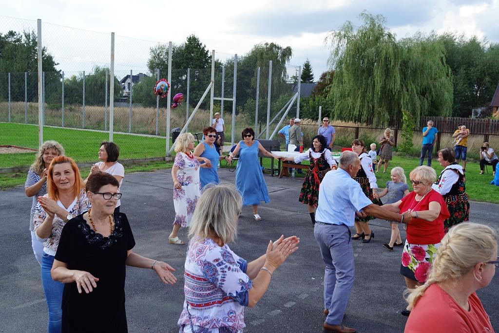 dozynki-gmina-brody-adamow-2021-taniec-spiewy-tradycje-87.JPG