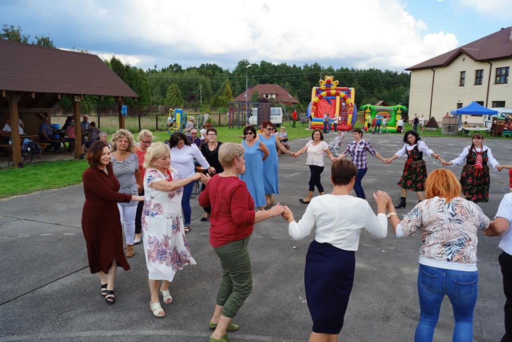 dozynki-gmina-brody-adamow-2021-taniec-spiewy-tradycje-89.JPG