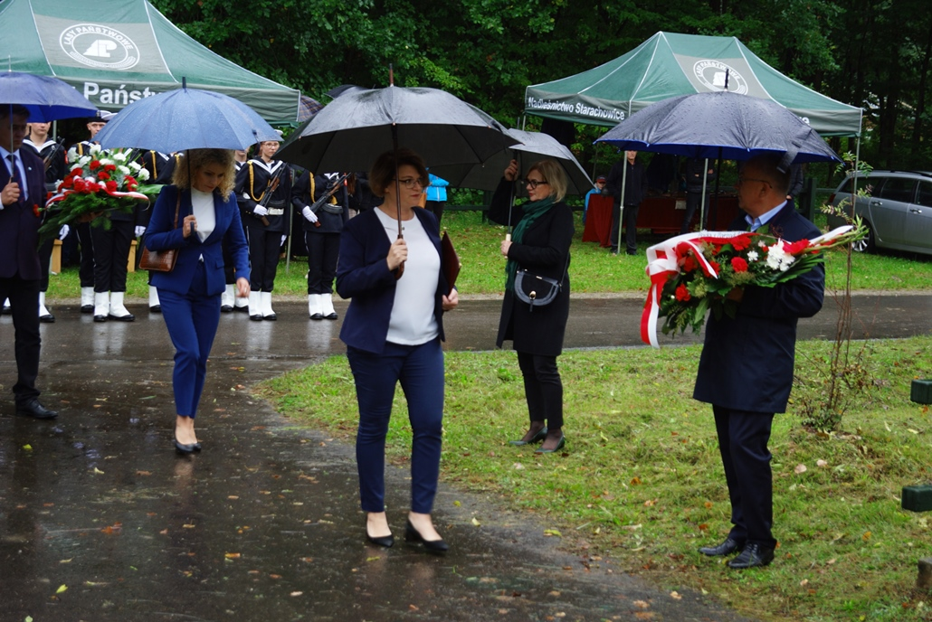 uroczystosc-patriotyczna-w-kuterach-18-09-2021-gmina-brody-powiat-starachowicki2021-09-18-11-13-29.JPG