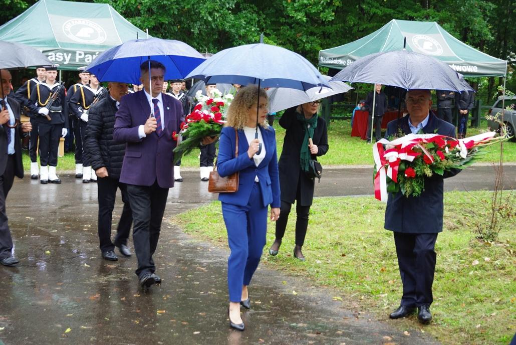 uroczystosc-patriotyczna-w-kuterach-18-09-2021-gmina-brody-powiat-starachowicki2021-09-18-11-13-32.JPG