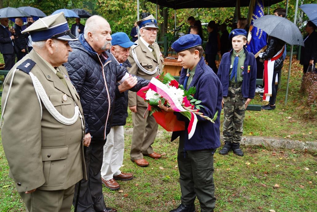 uroczystosc-patriotyczna-w-kuterach-18-09-2021-gmina-brody-powiat-starachowicki2021-09-18-11-20-27.JPG