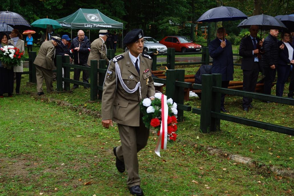 uroczystosc-patriotyczna-w-kuterach-18-09-2021-gmina-brody-powiat-starachowicki2021-09-18-11-21-06.JPG