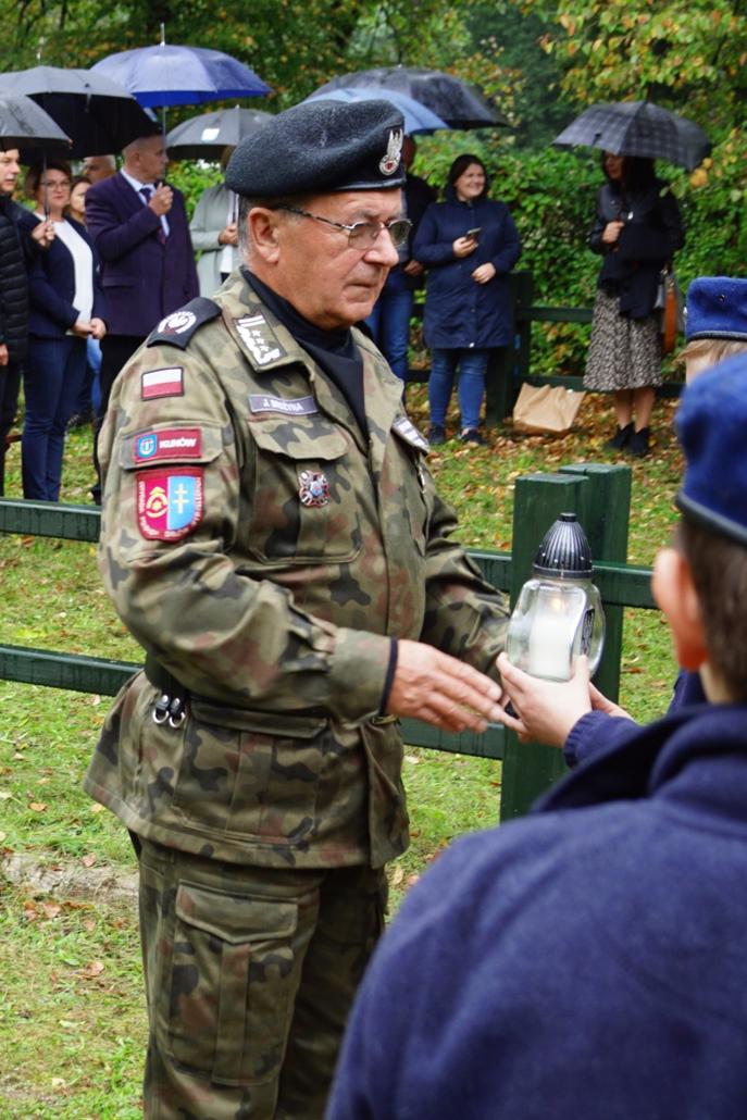 uroczystosc-patriotyczna-w-kuterach-18-09-2021-gmina-brody-powiat-starachowicki2021-09-18-11-22-24.JPG