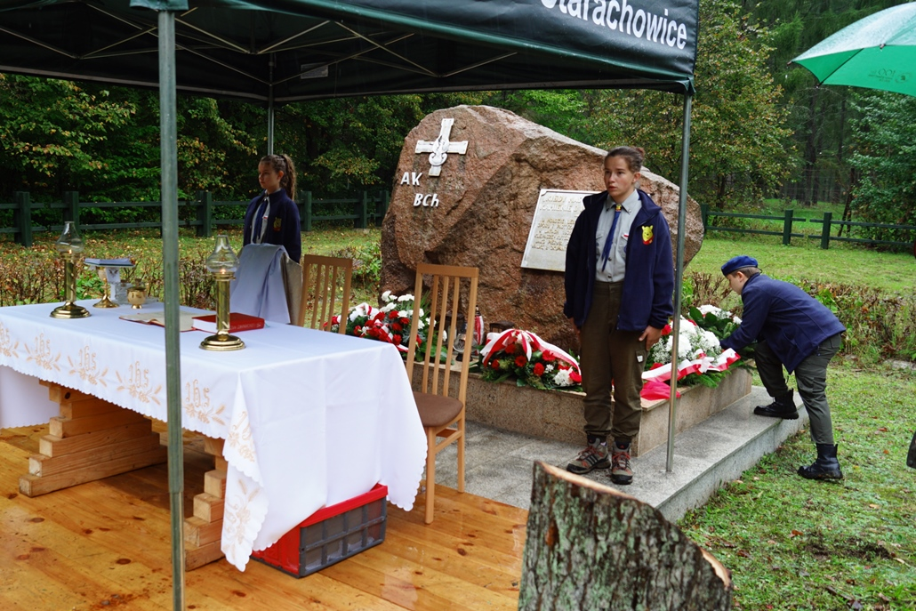 uroczystosc-patriotyczna-w-kuterach-18-09-2021-gmina-brody-powiat-starachowicki2021-09-18-11-23-13.JPG