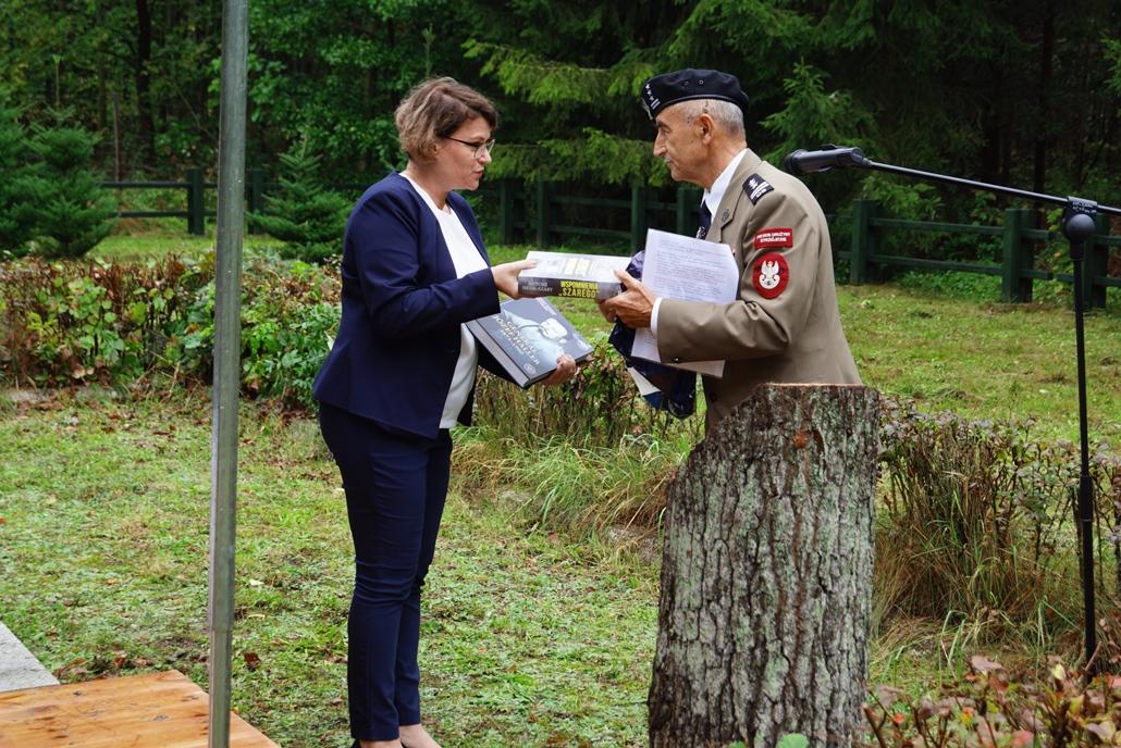 uroczystosc-patriotyczna-w-kuterach-18-09-2021-gmina-brody-powiat-starachowicki2021-09-18-12-35-44.JPG