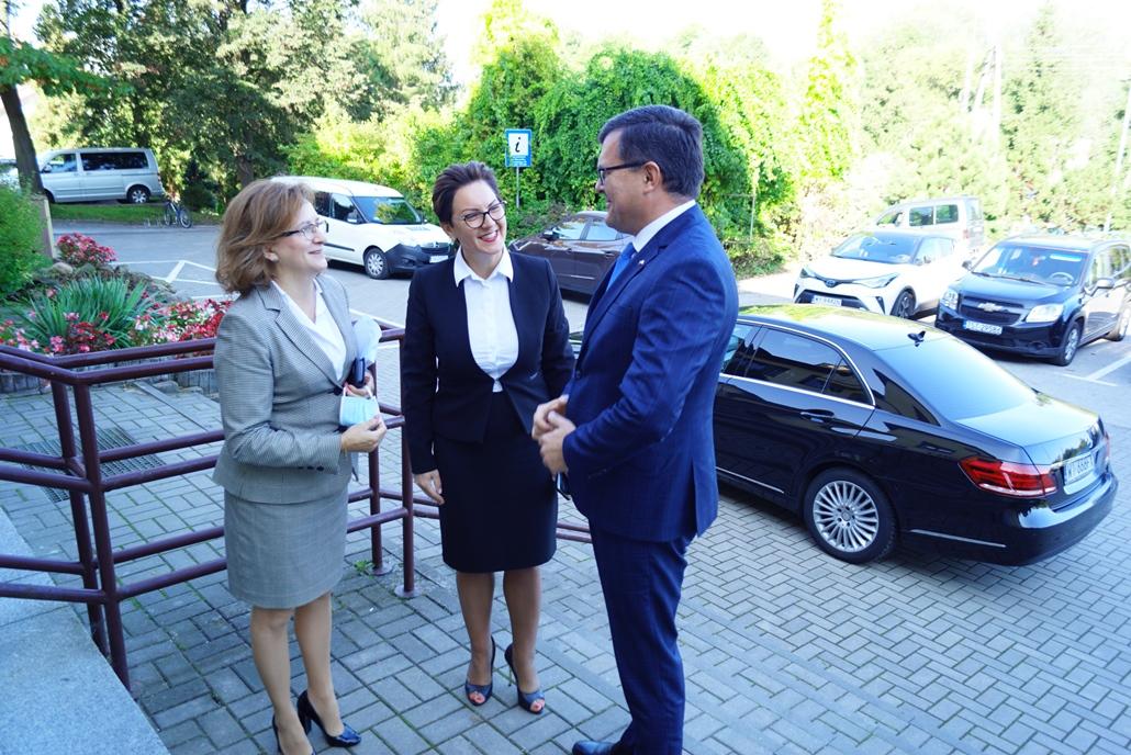 wizyta-wiceministra-piotra-uscinskiego-poslowie-wlodarze-spotkanie-27-09-2021-gmina-brody-powiat-starachowickiDSC04074.JPG