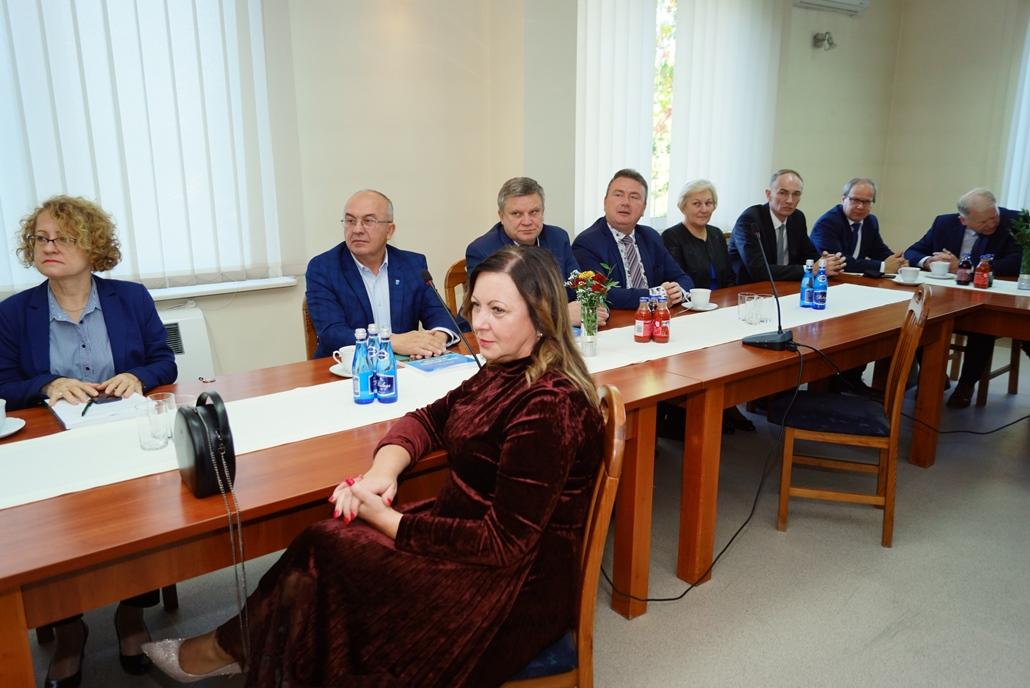 wizyta-wiceministra-piotra-uscinskiego-poslowie-wlodarze-spotkanie-27-09-2021-gmina-brody-powiat-starachowickiDSC04092.JPG