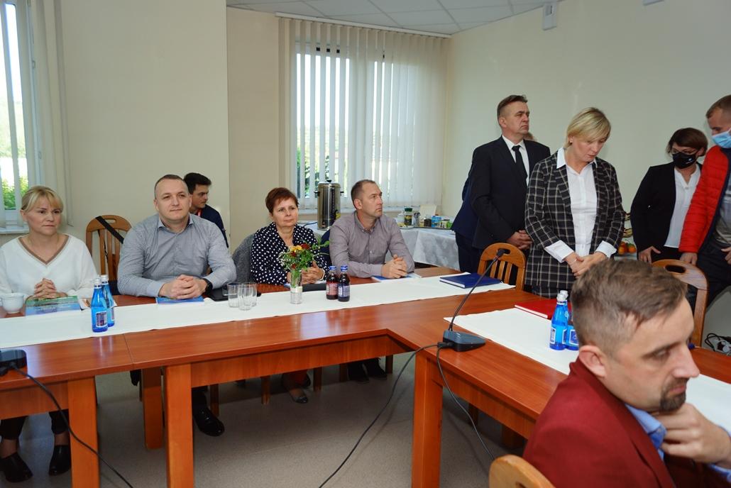 wizyta-wiceministra-piotra-uscinskiego-poslowie-wlodarze-spotkanie-27-09-2021-gmina-brody-powiat-starachowickiDSC04094.JPG