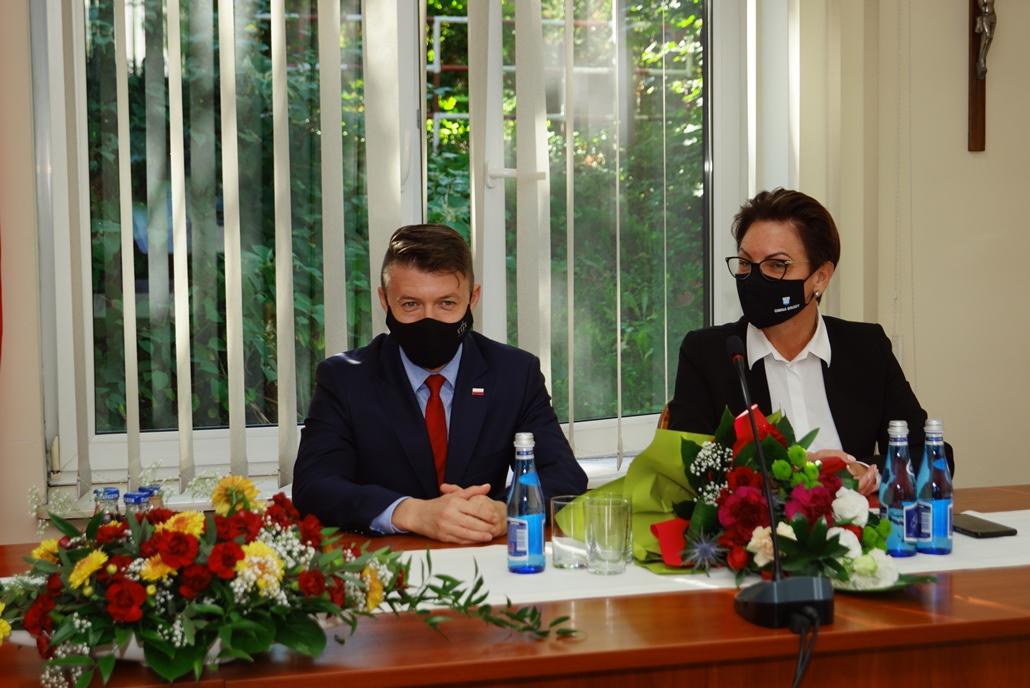 wizyta-wiceministra-piotra-uscinskiego-poslowie-wlodarze-spotkanie-27-09-2021-gmina-brody-powiat-starachowickiDSC04100.JPG