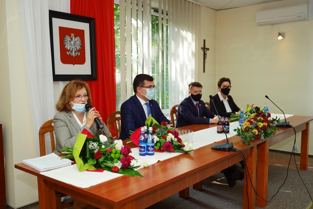 wizyta-wiceministra-piotra-uscinskiego-poslowie-wlodarze-spotkanie-27-09-2021-gmina-brody-powiat-starachowickiDSC04103.JPG