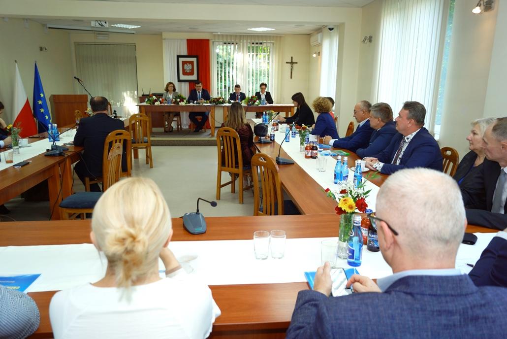 wizyta-wiceministra-piotra-uscinskiego-poslowie-wlodarze-spotkanie-27-09-2021-gmina-brody-powiat-starachowickiDSC04115.JPG