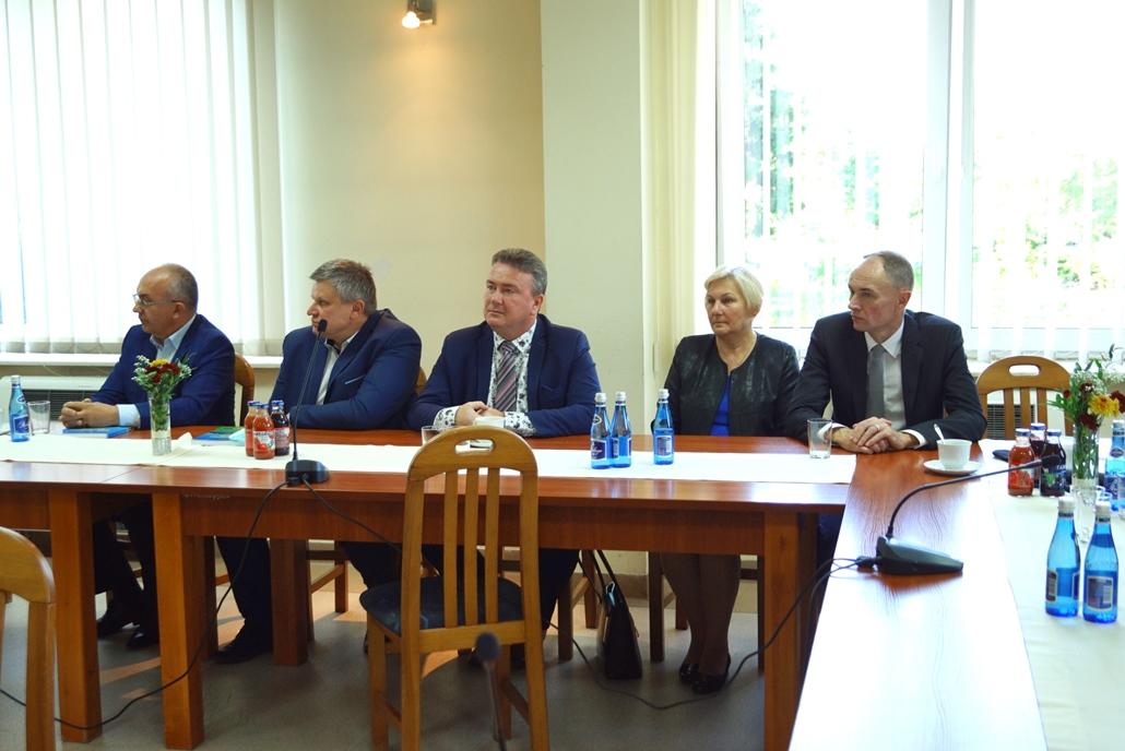 wizyta-wiceministra-piotra-uscinskiego-poslowie-wlodarze-spotkanie-27-09-2021-gmina-brody-powiat-starachowickiDSC04122.JPG