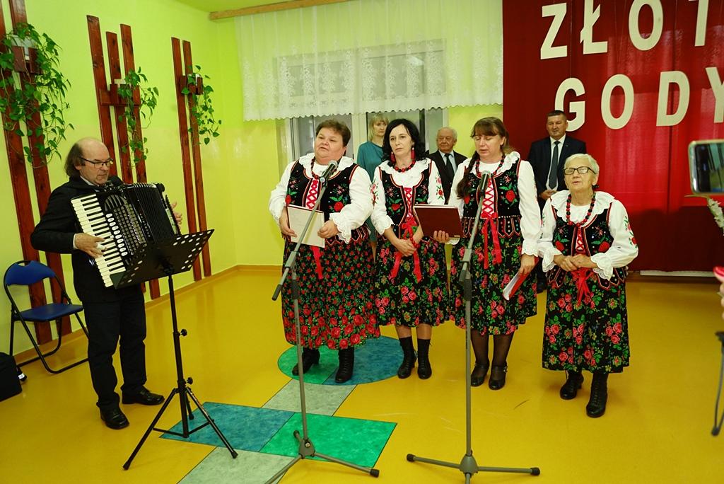 zloty-jubileusz-malzenstwa-gmina-brody-93.JPG